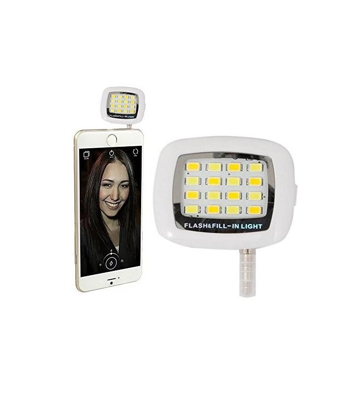 Night Using Selfie Enhancing Flash Light